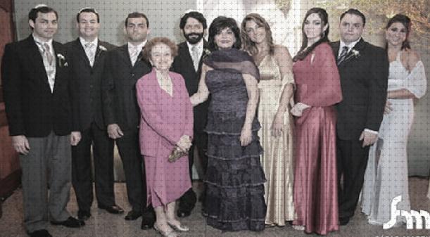 Simon Wajntraub e Angela tiveram 7 filhos. Todos possuem uma perfeita dicção e são profissionais exemplares em suas carreiras.