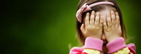 Pedofilia causa gagueira e timidez